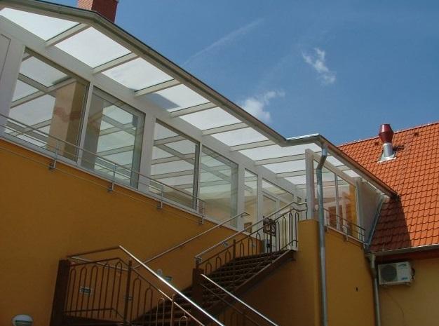 Revos Nitra strechy