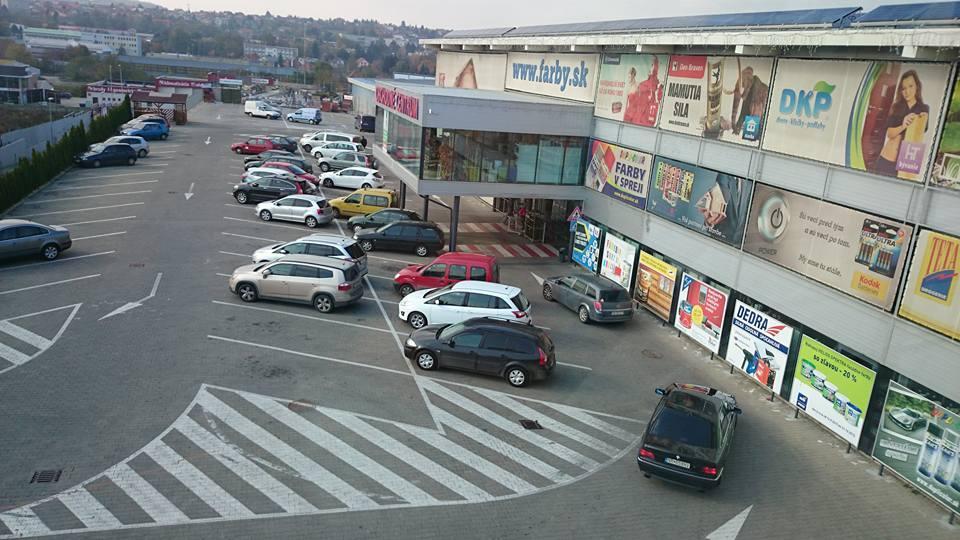obchodne centrum l&š nitra