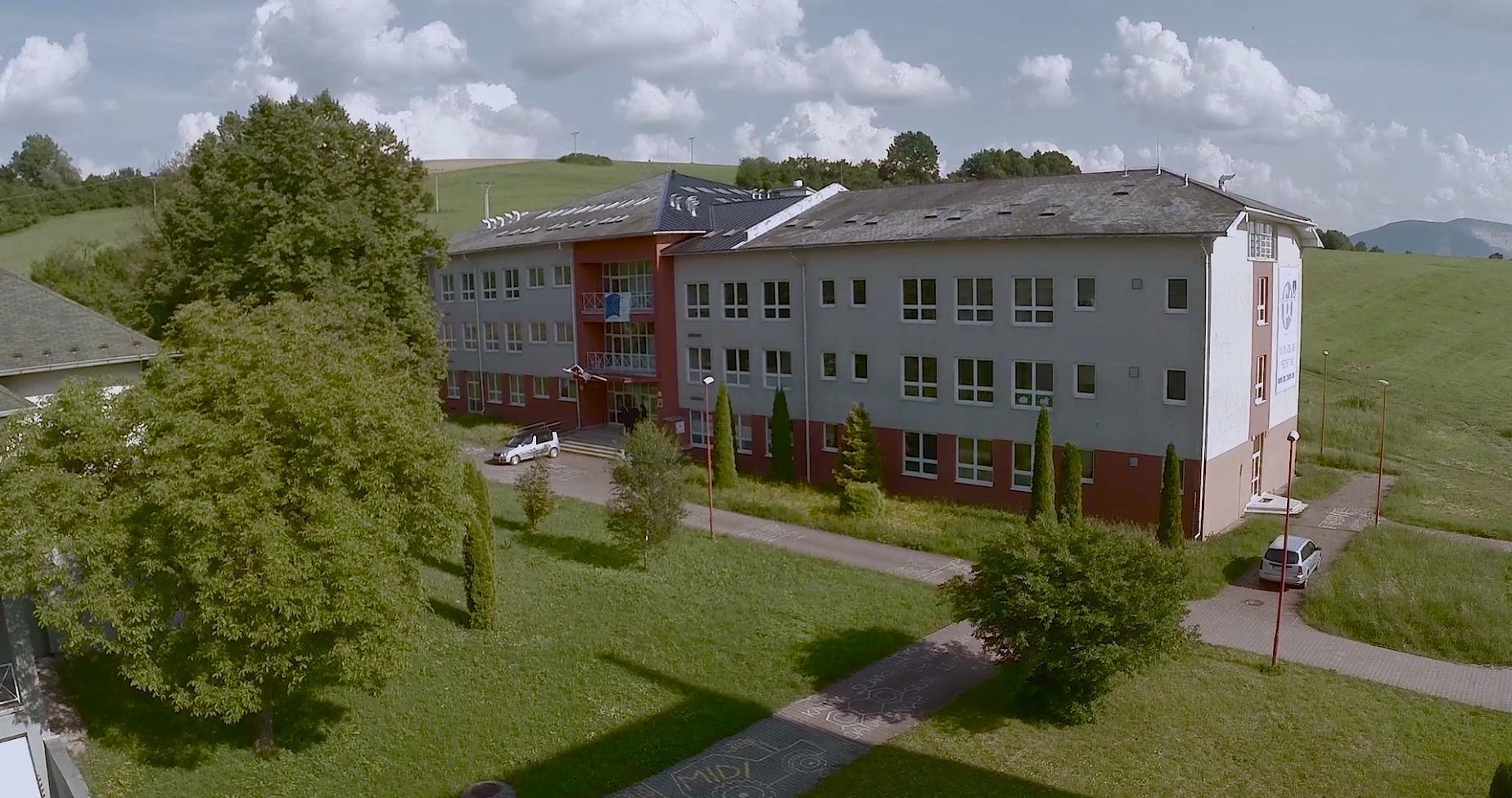 Fakulta priemyselných technológií v Púchove (FPT)