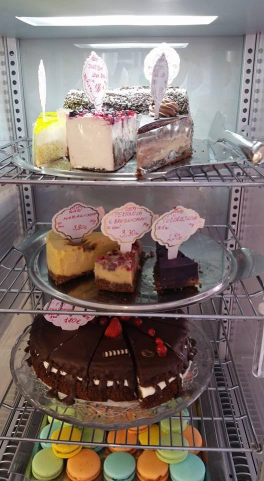 Raw koláče v Babičkinej cukrárni