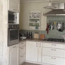 kuchynská linka v provensálskom štýle Stolárstvo Merlin Mojmírovce