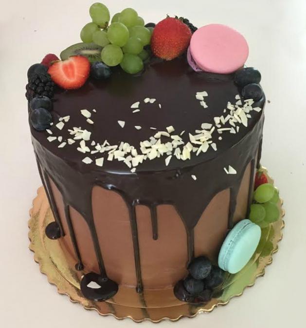 ovocna cokoladova torta