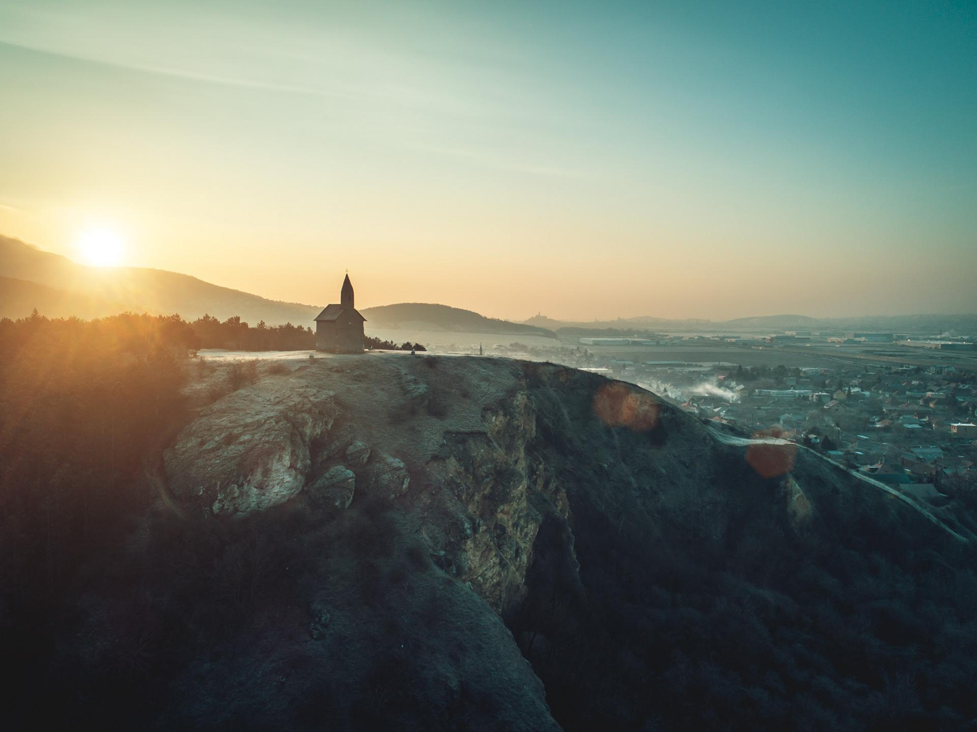 Luca Bush - nitra medzi nebom a zemou