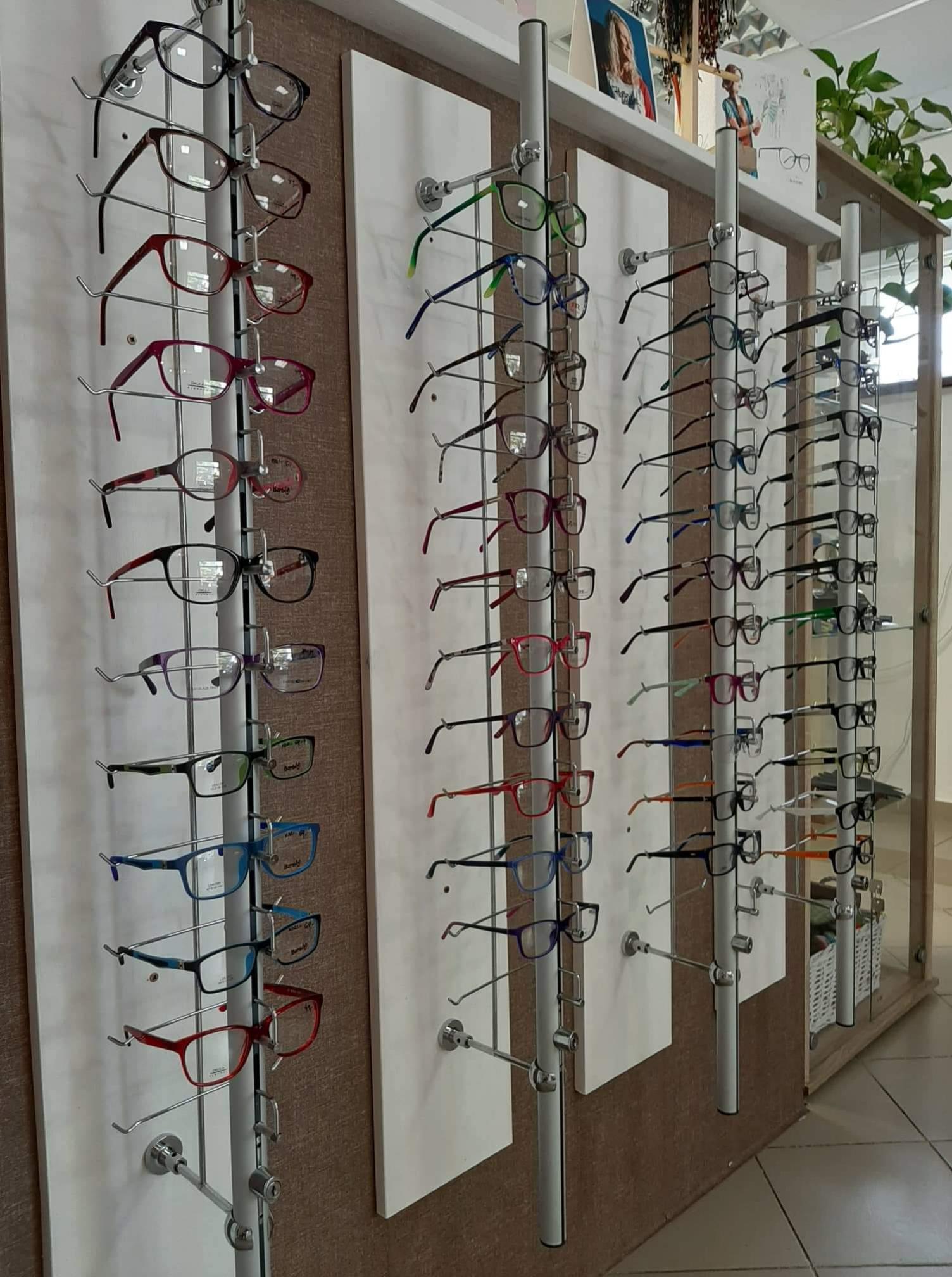 Očná Optika Eva Mlyneková Vráble dioptrické okuliare, slnečné okuliare, meranie zraku