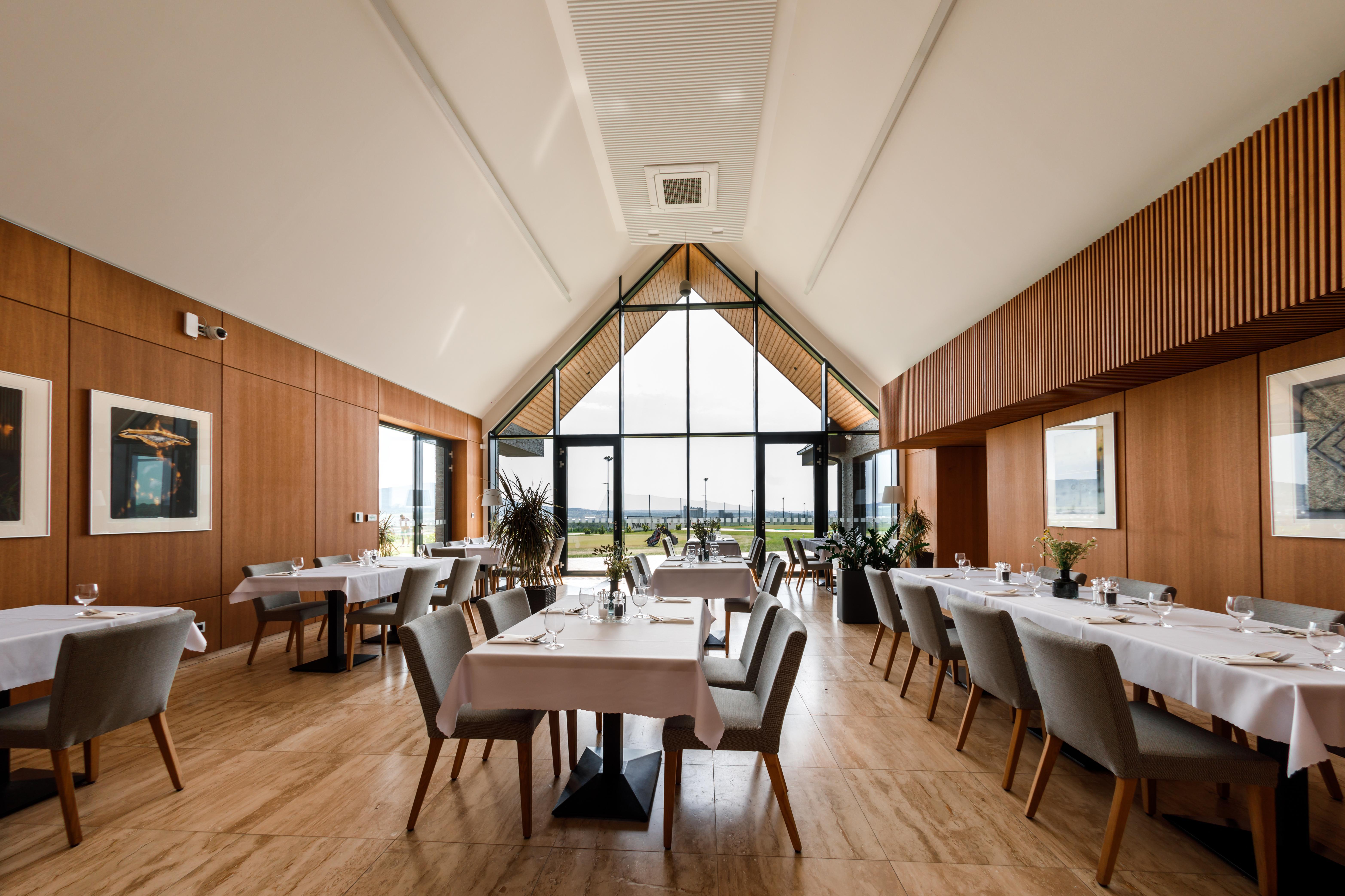 RED OAK Restaurant Nitra golfový rezort reštaurácia business stretnutia