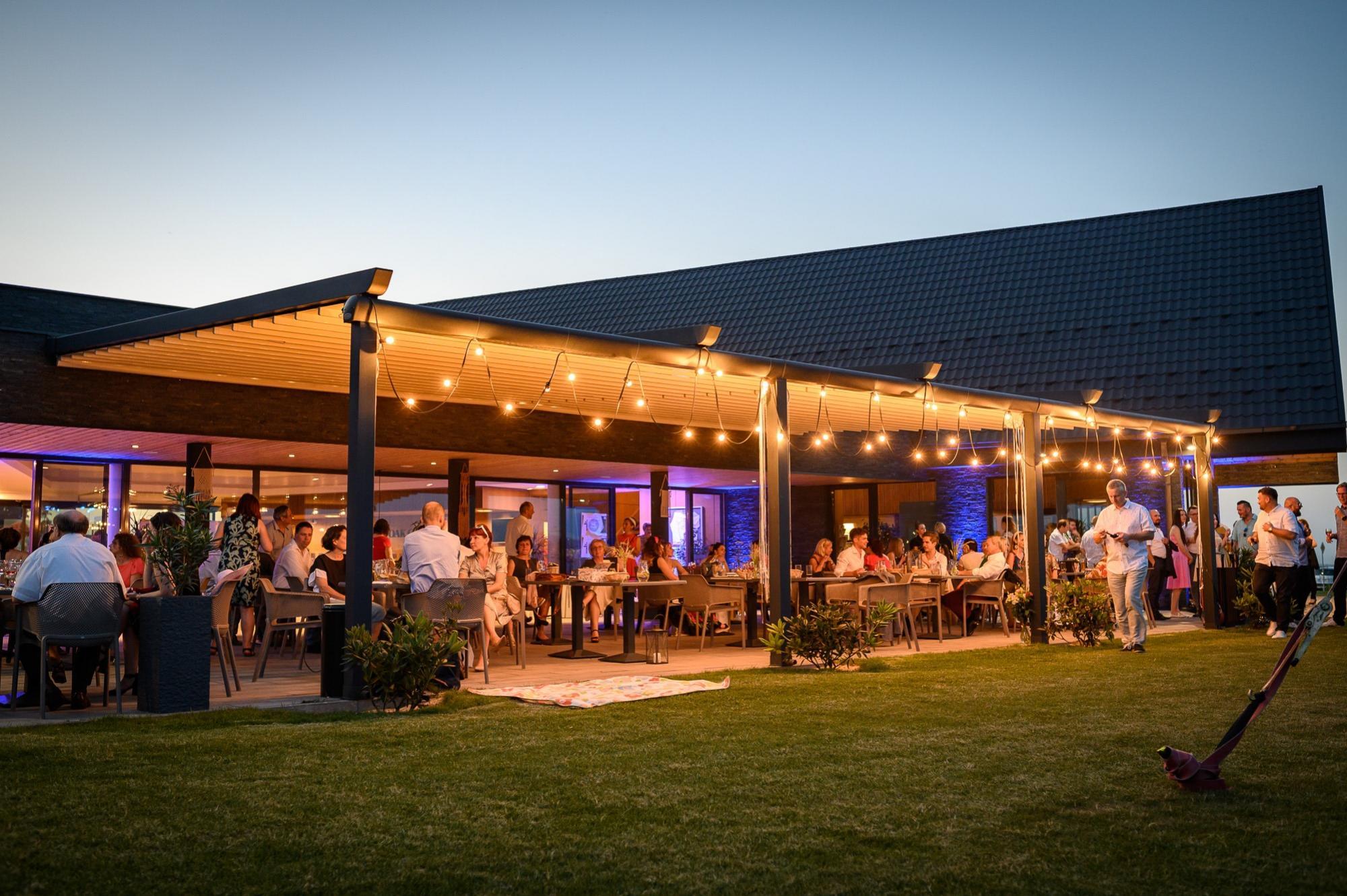 RED OAK Restaurant Nitra business stretnutia oslavy, firemné dni golfový rezort Nitra