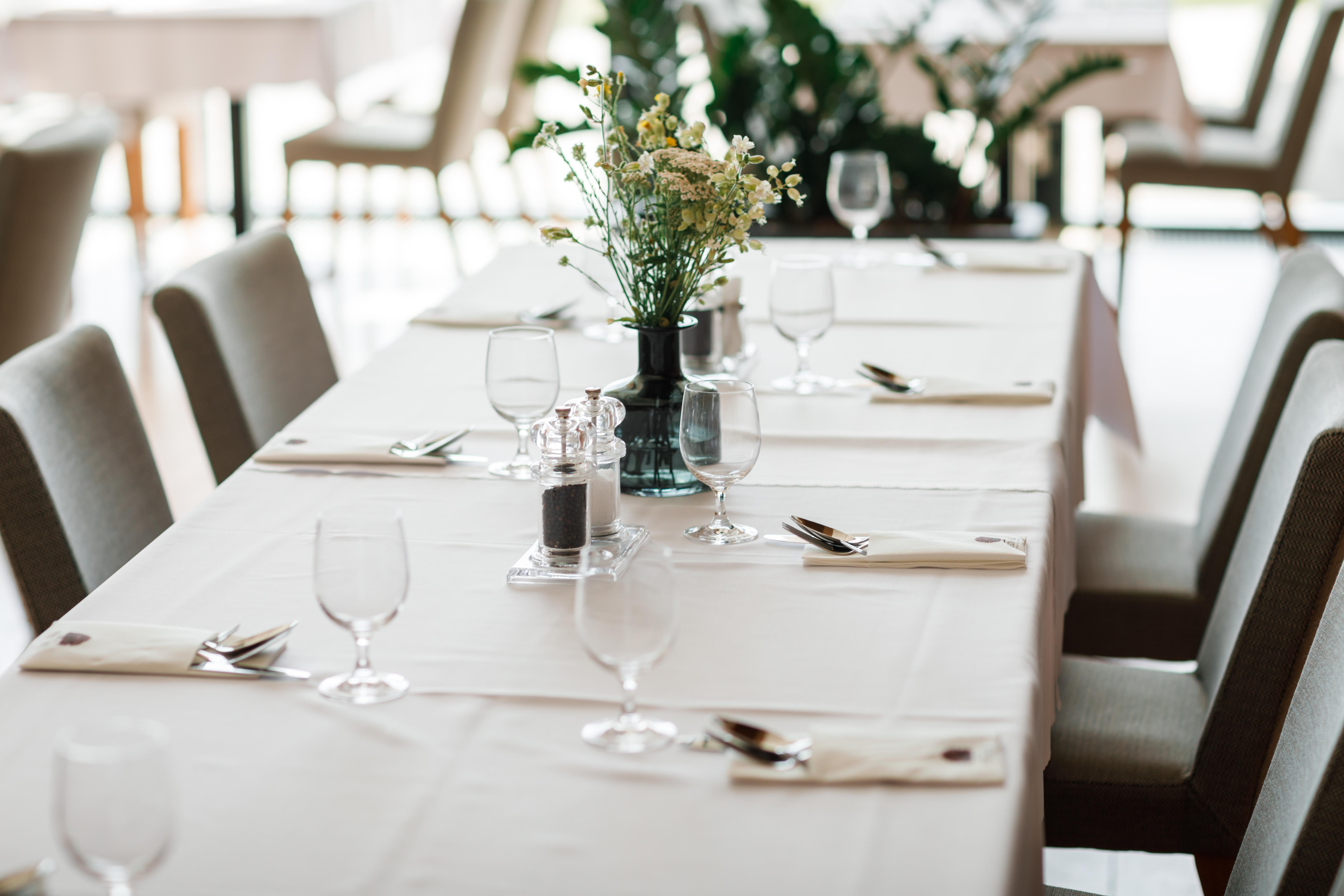 RED OAK Restaurant Nitra golfový rezor reštaurácia golfová akadémia