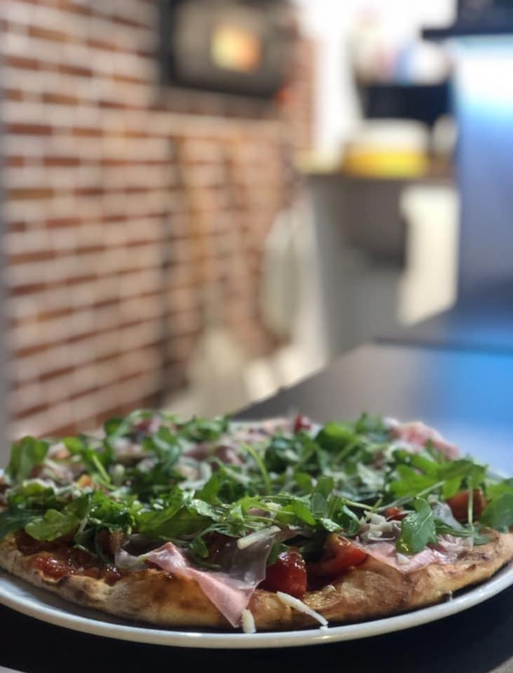OK Pizza Nitra talianska pizza donáška reštaurácia bezpeková pizza