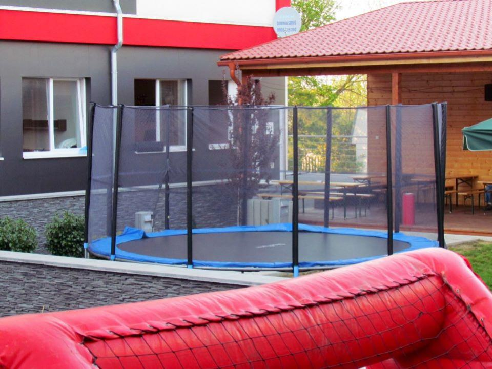 trampolina xawax
