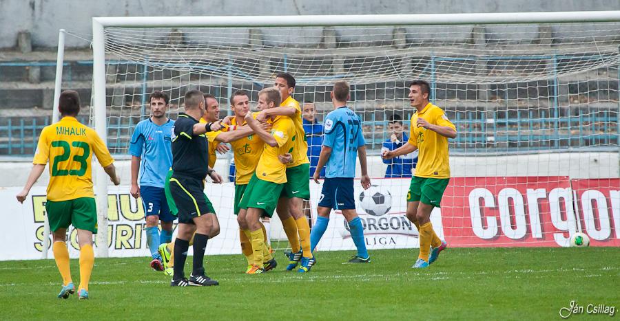 52c04ef9b Futbal: Domáca prehra so Žilinou znamená - Šport a relax | moja Nitra