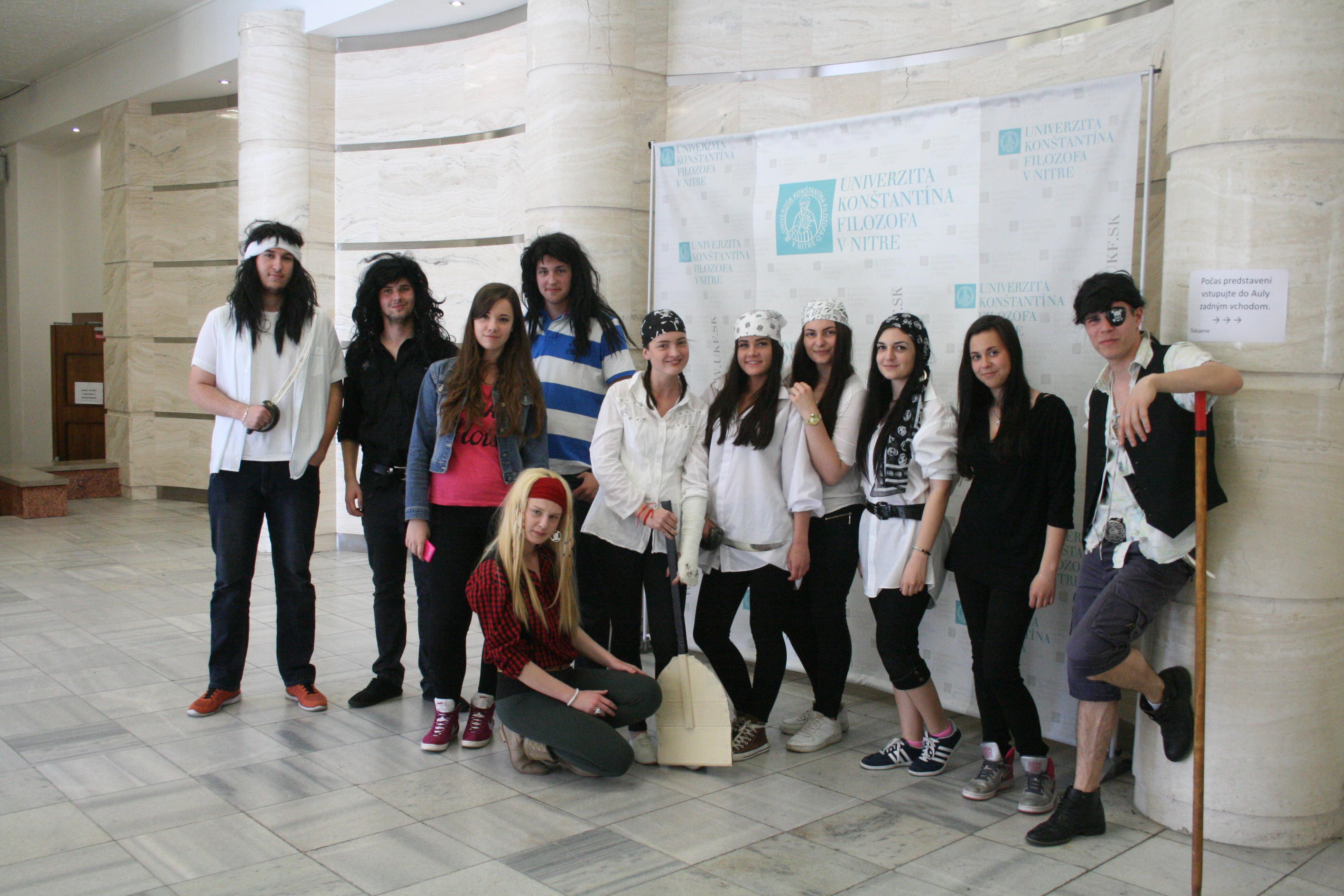 Študenti z Nitry uspeli na divadelnom festivale - Kariéra  c7da908c0a1