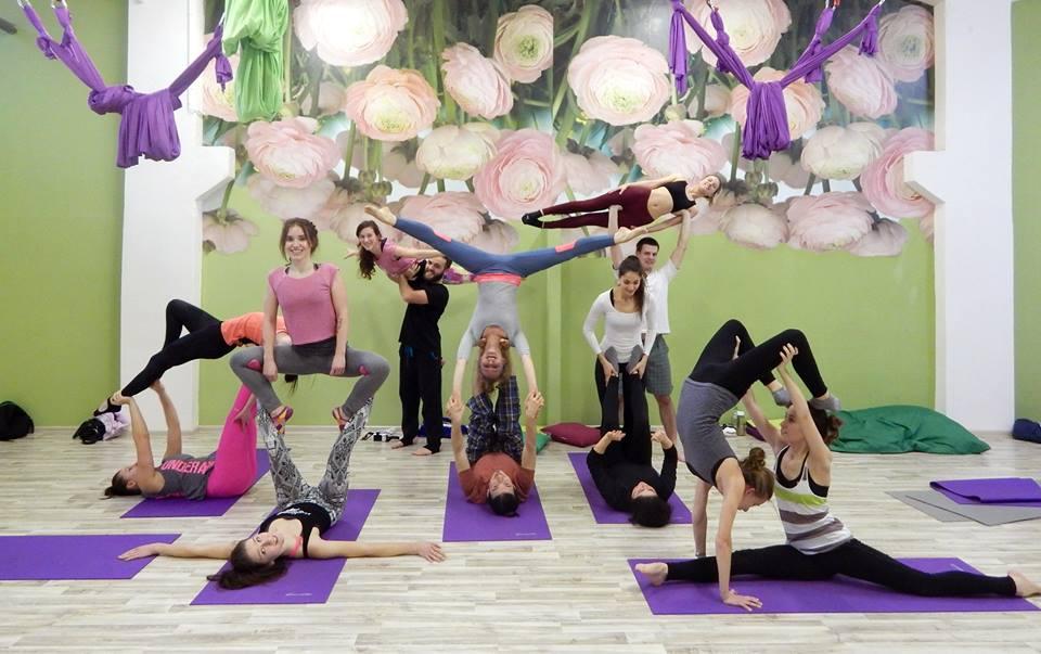 22c241a02 FlyZone yoga & acrobatics studio Nitra - priest - Zdravie | moja Nitra