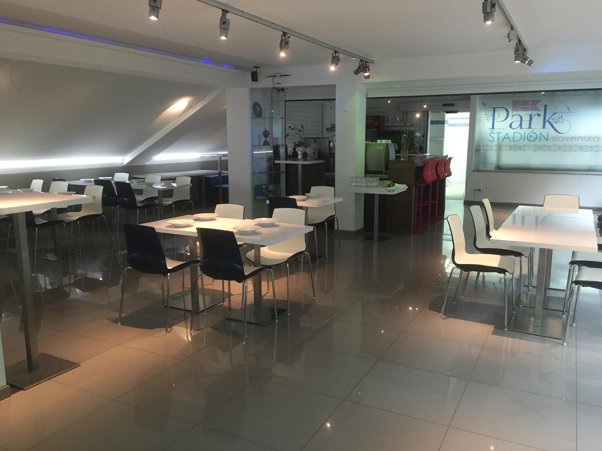 740b117f0 Reštaurácia PARK Štadión - nová reštaurácia v b - Gastro | moja Nitra