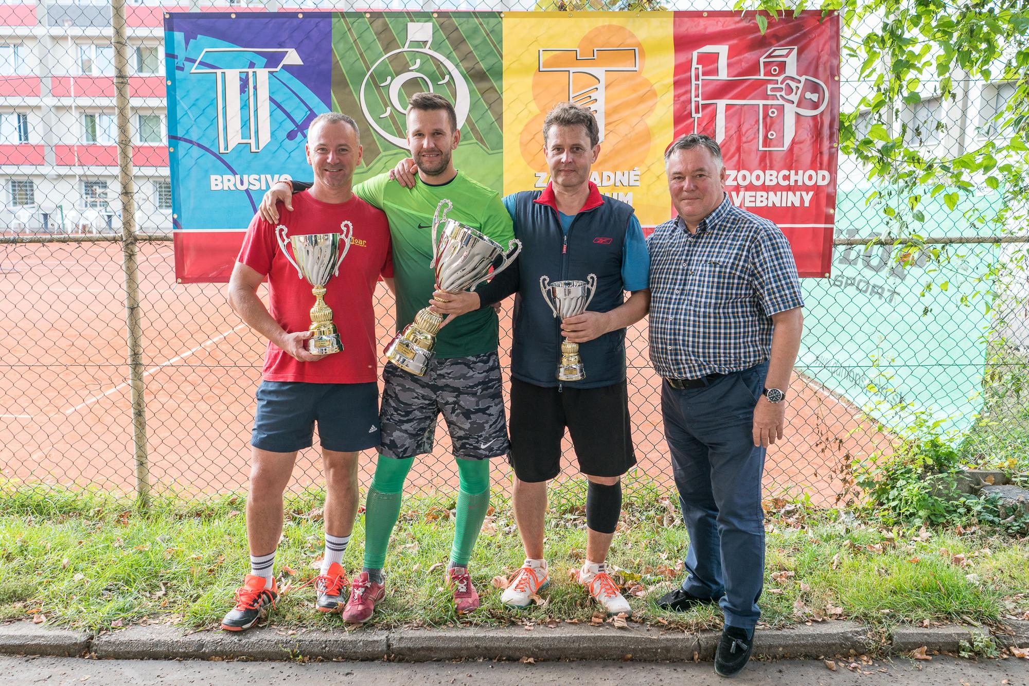 Nitrianska amatérska tenisová liga odohra - Šport a relax  db878ba1b3c
