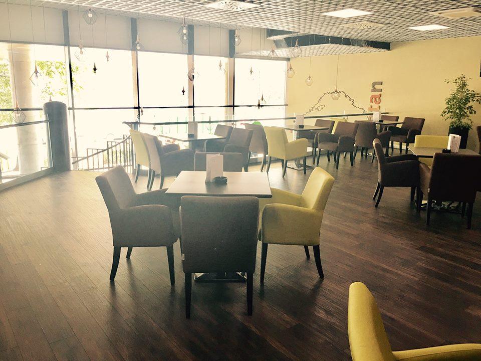 Kaviareň Caffe Platan v Galéria Mlyny v Nitre - - Gastro  4aaff1b7ec