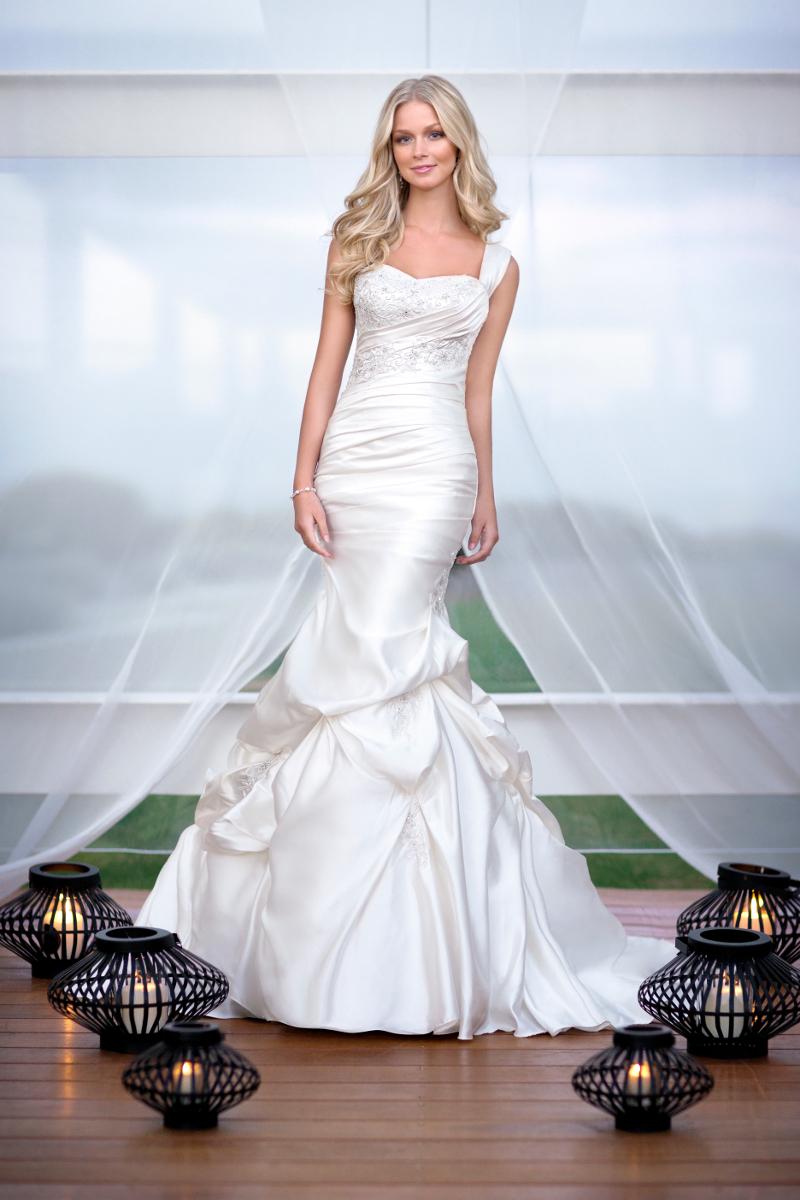 907bc3a940cc WEDDING GALLERY svadobný salón - Móda