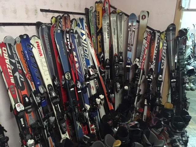 8c707a2ade Pri výbere výstroja či servise Vám rád a odborne poradí skúsený lyžiar a  bývalý Majster Slovenska v cestnej cyklistike. Kompletný veľký servis lyží  i ...