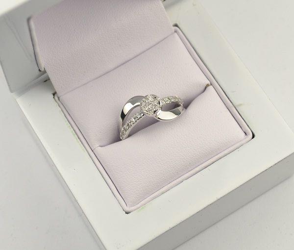 Šperky RedCAST - výroba a predaj šperkov z d - Kancelária  7a6cf0db849