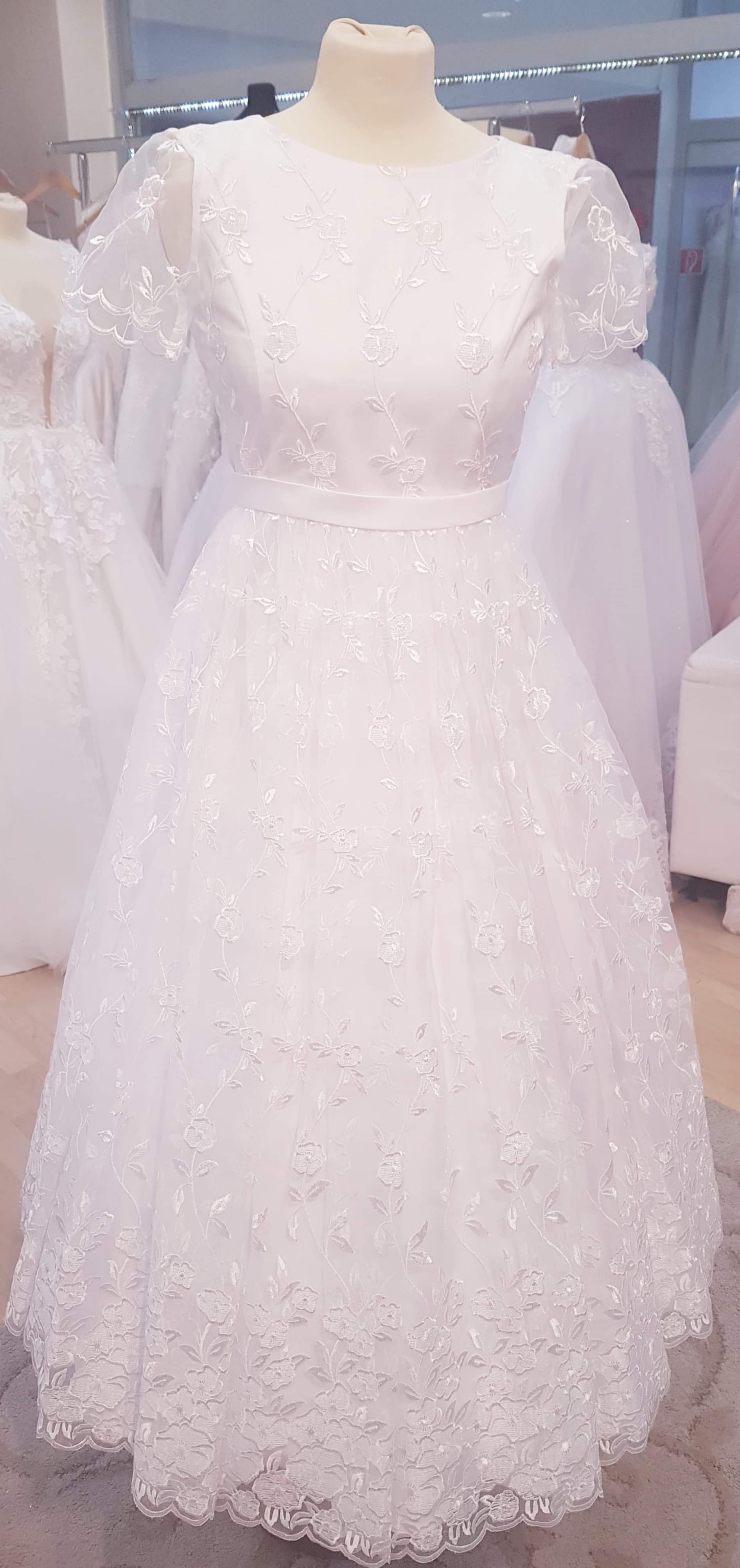 97ba1040918a Anna Garden - šaty na prvé sväté prijímanie ...