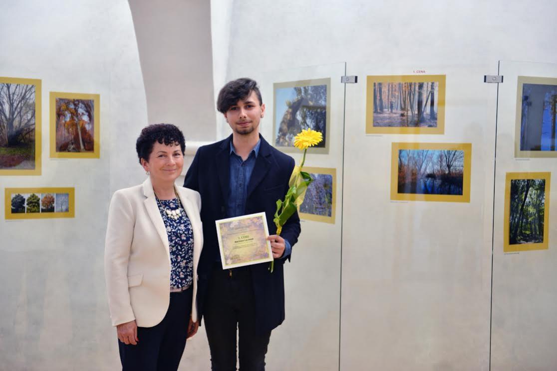 Dňa 6.4.2017 sa konal 21. veľtrh cvičných firiem v Mestskom kultúrnom  centre v Žiari nad Hronom. Žiaci študijného odboru obchod a podnikanie  súťažili svojou ... f15a722f717